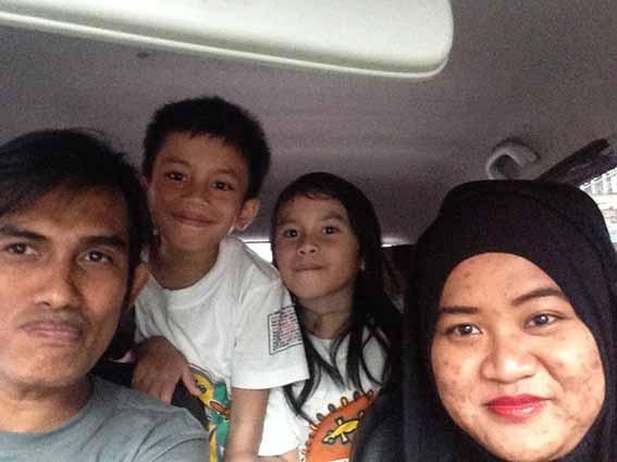 Bersama keponakan