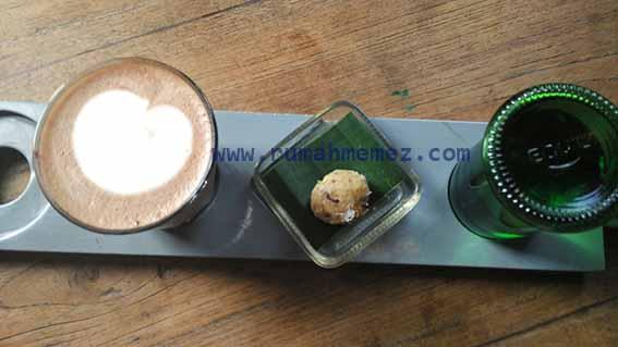 Hot Chocolate at Seniman Coffee Ubud
