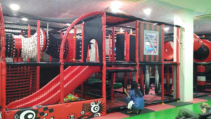 playland at amped trampolin