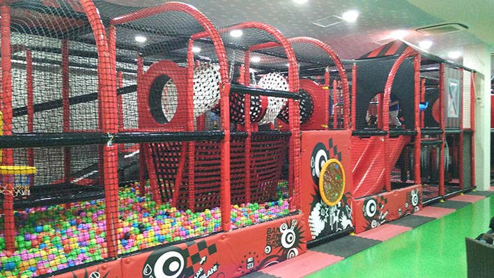 playland at amped trampolin2