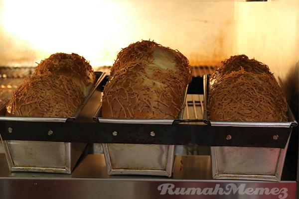 roti-di-dalam-oven-bungasari-innovation-centre